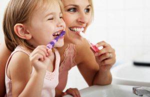 Lựa chọn kem đánh răng phù hợp với trẻ