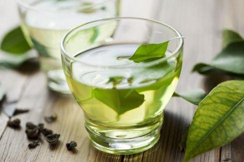 Trị hôi miệng bằng nước trà xanh